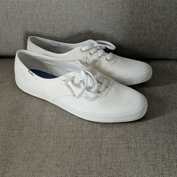 NWOT Keds White Shoes Size 8.5